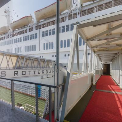 Entrance ship gangway in 360˚
